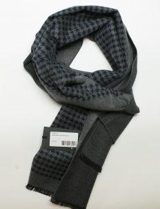 Серый шарф с черным принтом 100% шелк